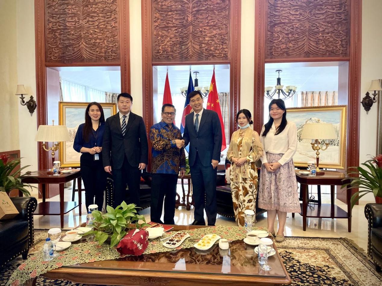张仪理事长应邀拜访印尼驻华大使